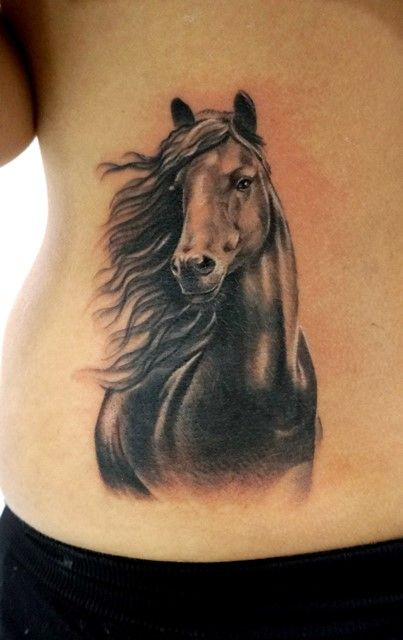 Tatuaje de Astin - Astin Tattoos & Aerografía (Aguilar de la Frontera)