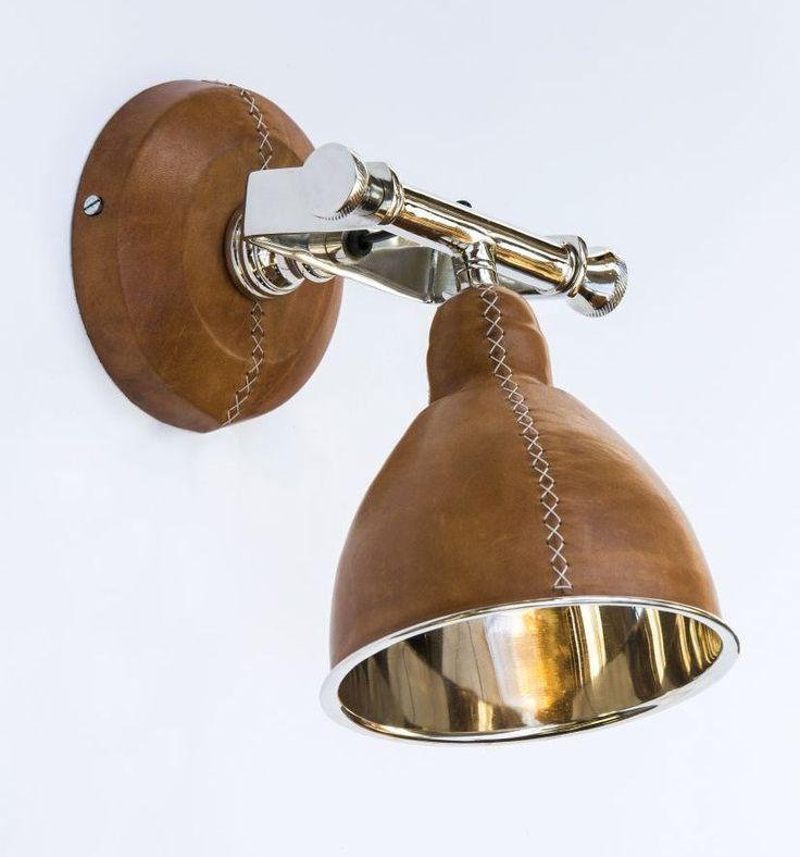 design wand leeslamp met bruin leer