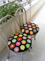 african flower chairs #cushion #crochet
