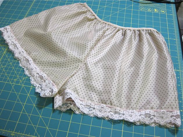 How To Make a Custom Pair of Tap Pants: best summer style (cross between a slip and shorts) to wear under short skirts.