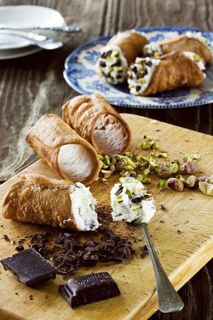 Cannoli- Epicurious.com