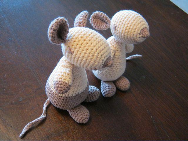 Amigurumi Mouse Pattern Crochet : 71 best crochet mouse~free patterns images on pinterest crochet