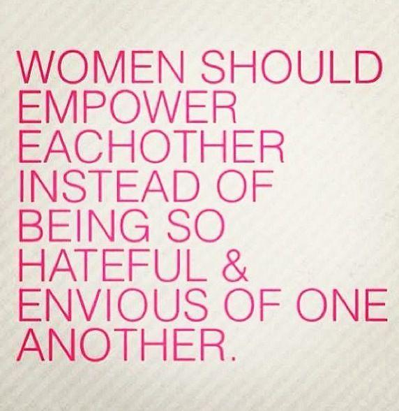"""Blog Le Style NAF NAF. Artículo """"Mujeres Unidas"""" http://blog.nafnaf.com.co/archive"""