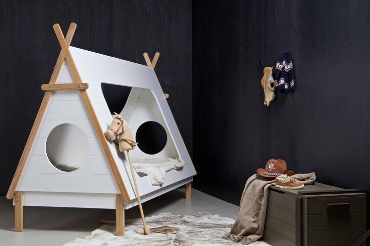 Bed Tipi & speelgoedkist   playbox Derk by WOOOD #woood #bed #speelgoedkist #playbox