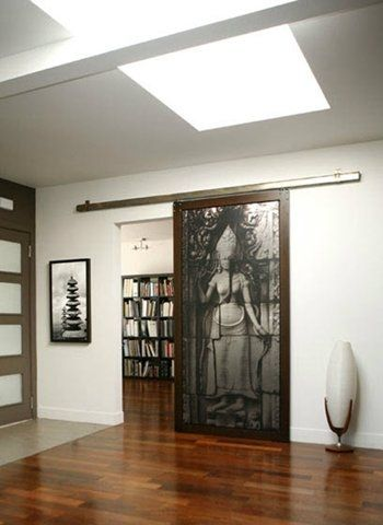 Puerta corredera de interior, práctica y decorativa