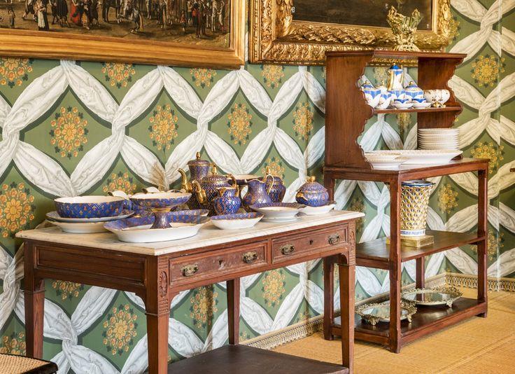 En el Palacio Real de Riofrío puedes admirar esta selección de vajillas y cristalería de la época de Isabel II y de Alfonso XII