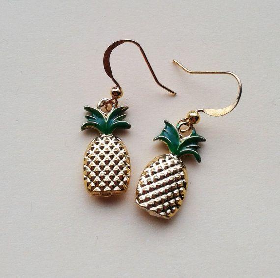 Gold Pineapple Earrings,Tropical Earrings,Rockabilly Jewelry, Kitsch Accessories,Novelty Earrings,Fruit Drops,Costume Jewelry,Fruit Earrings