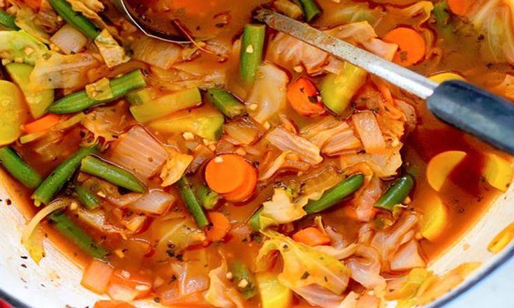 Une soupe aux légumes croquants... Une portion pour seulement 22 CALORIES!