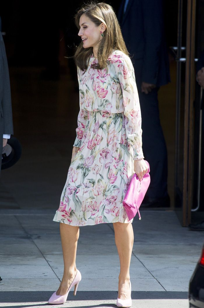 6fc5a241a2 Queen Letizia loves Zara as much as you do—here s how she wore the cult  brand this year.