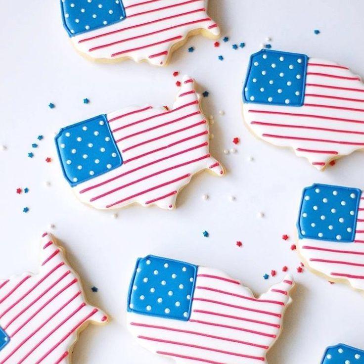 US shaped flag cookies