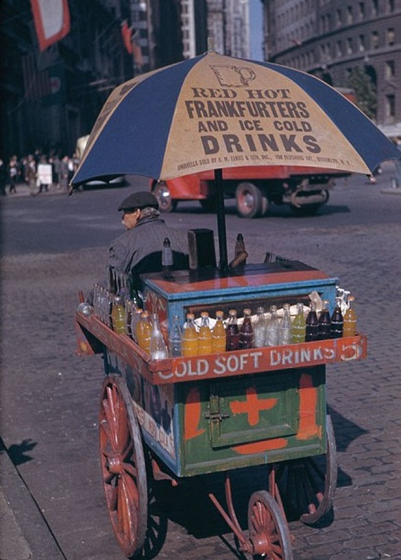Charles Weever Cushman: Portable Soft Drink Stand At Bowling Green, 1942