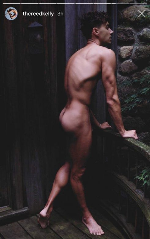 OMG, he's naked: 'Survivor' and Broadway star Reed Kelly  