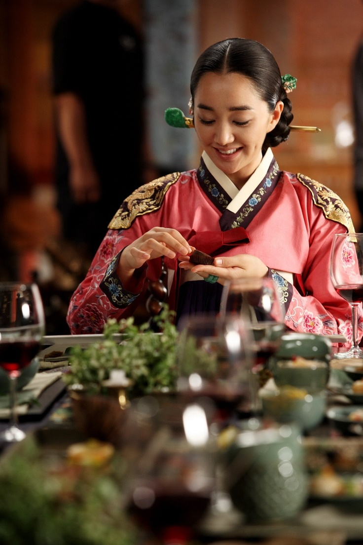 Soo Ae in 'The Sword with No Name' (2009)