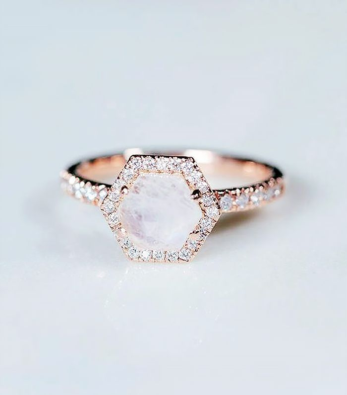 20 Breathtaking Moonstone Engagement Rings