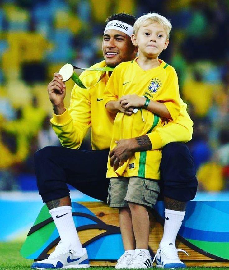 #rio #closing #rio2016 #melo #olympics #brazil #nba #closingceremony #usabasketball #gold #roadtorio #cameloanthony #timebrasil #brasil #football #brasilfootball #rionews #rioexpress #expressnews #sportsnews #instanews #instasports #tbt #like #follow #2016olympics #competition #schedule #Rumba #espanol