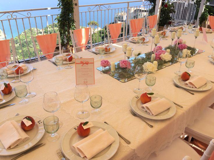 The wedding table, Wedding Day, peonies flowers centerpiece, peach, peach green and white colors, Hotel Bonadies, ravello, Olga Studio, Sposa Mediterranea, Federica Wedding Planner