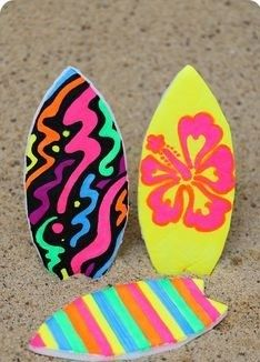 A fun summer surfboard craft for kids! Use quality #foamboard to make colorful surfing toys for your children. Let their favorite small toys surf in the water! https://www.foamboardsource.com/ #selfadhesivefoamboard #gatorboard #pvcsheets