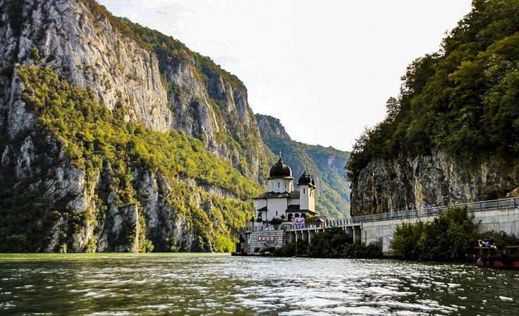Mraconia Monastery, Romania