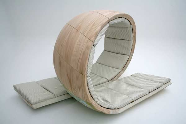 Loopita chair thing by Victor M. Aleman