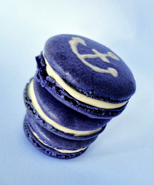 Salt and Vinegar Macarons decorated for the Fremantle Dockers football club