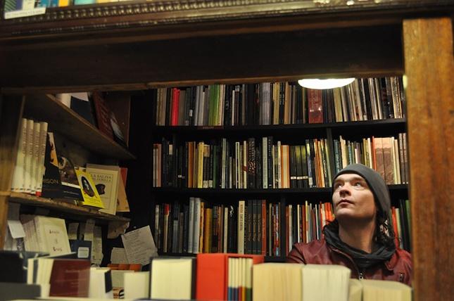 Dutch interview:  Parijs door de ogen van Vincent Cavanagh van Anathema