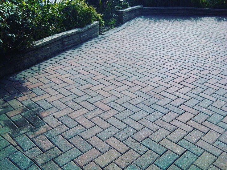 Driveways and Monoblocking  Our cost effective driveway solutions are proven to add value to your property whilst creating a strong first impression of your home.  Call Us: 01506655965 Or visit our website www.westlothianlandscapedesign.co.uk  #WestLothianLandscapeDesign #artificial #fakegrass #artificialgrass #astroturf #grass #syntheticgrass #syntheticturf #garden #landscape #gardening #scotlandUK