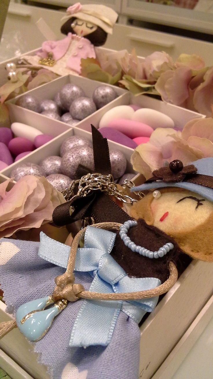 Le bamboline Dolce Elisono delle bambolineartigianalicon vestitini confezionati minuziosamente da maniesperte e interamente made in italy. Rifinite con estrema attenzione al dettaglio, ogni bam…