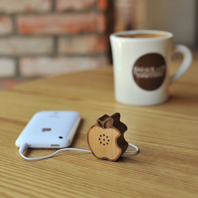 Wooden Apple Speaker by Motz for iPhone, iPod, iPad