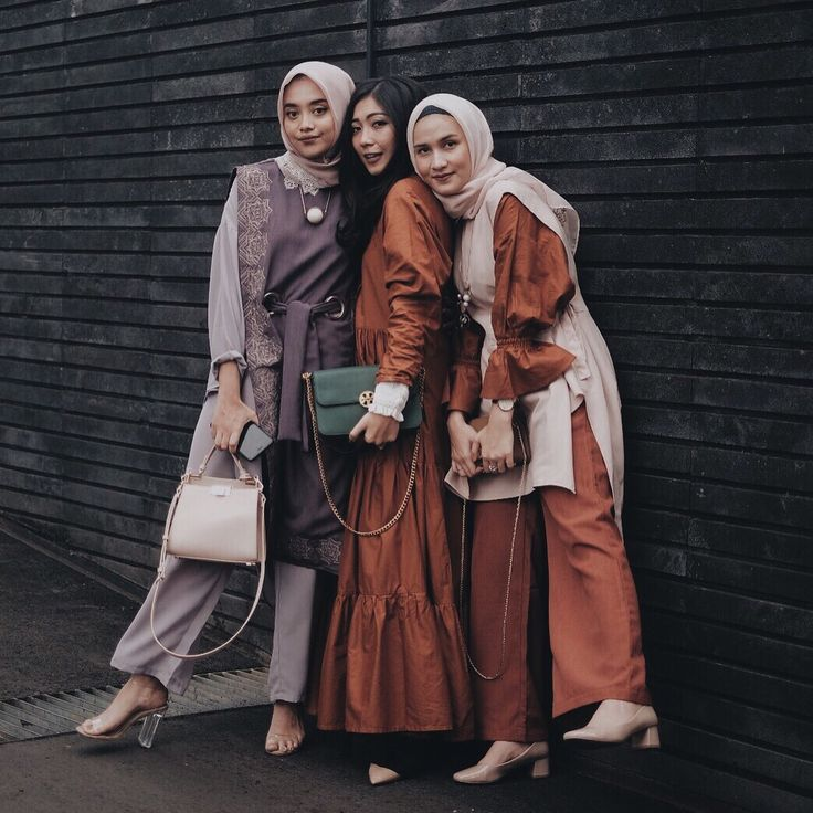 "2,600 Likes, 7 Comments - Claradevi Handriatmadja (@lucedaleco) on Instagram: ""Adik-adik manis yang sebentar lagi jadi istri orang. Will miss our single-and-confused talk, but so…"""