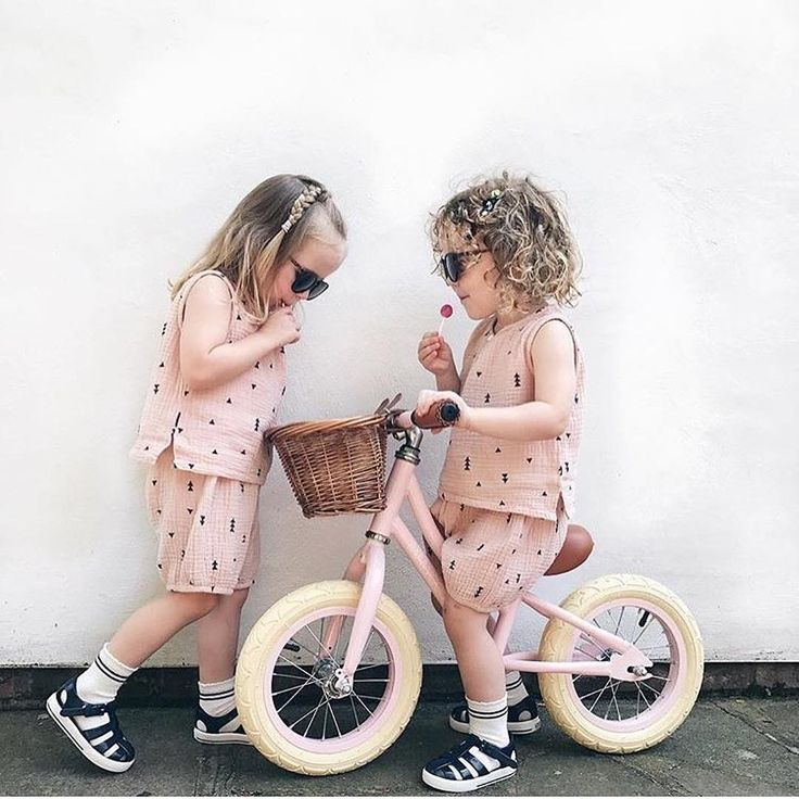 The amazing Banwood bikes are on the way to our shop - we will make sure all preorders are sent out as soon as possible.⠀ ⠀ #banwoodbikes #kidsbike #retrobike #laufrad #kindervelo #stadtlandkind #stadtlandkinder ⠀ ⠀ 📷@laura_havers