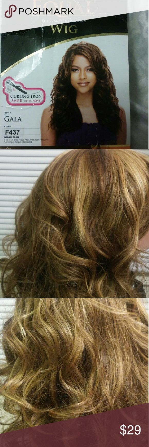 """Freetress equal """"Gala"""" wig Long blonde wig with highlights! Other"""