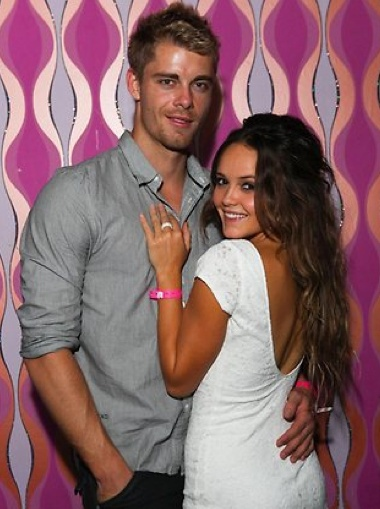 "omg Bec is so cute....she's got this ""can you believe it, he's all mine!"" look everytime they take a picture...<3"