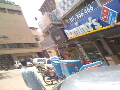 Domino's Pizza (Bahadurabad), Karachi. (www.paktive.com/Dominos-Pizza-(Bahadurabad)_645EA01.html)