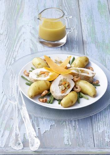 Ratte du Touquet et chapon farci dans un bouillon de crevettes     http://www.larattedutouquet.com/ratte-du-touquet-et-chapon-farci-dans-un-bouillon-de-crevettes/
