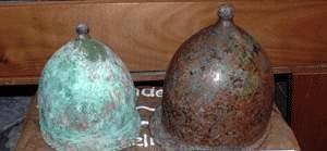 Due belle testimonianze di elmi che vennero utilizzati nella battaglia delle Egadi