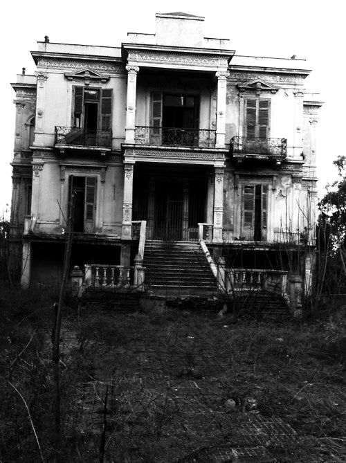 Inside Old Abandoned Mansions | Old Scary Haunted House Picture & Image | tumblr