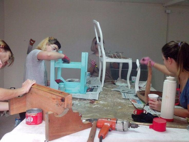 Inscriben para nuevos cursos en la Escuela de Artes y Oficios: Son de zapatería y restauración de muebles. #Salta #Educación #NuevosCursos…