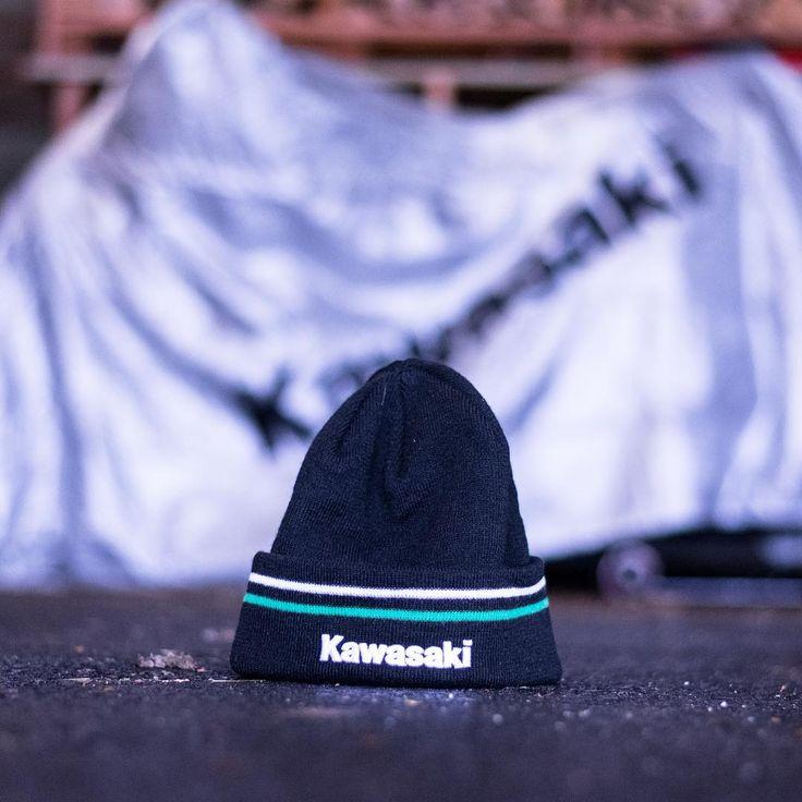 The Z and me are officially covered by #kawasaki for the winter ❄️  Thx to my buddy @fabienpaniz for this amazing gift 😄  _____________________________________________  #z1000 #zrefinedraw #kawasakizetamotors #kawasakiz1000riders #superbikesgram #kawasakiswitzerland #kawasakischweiz #kawasakiconnect #teamgreen