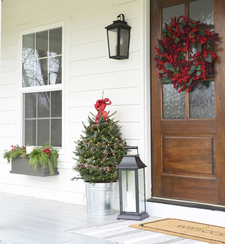 Best 25+ Christmas Front Porches Ideas On Pinterest