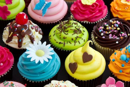 Distintas formas de decorar Cup Cakes: Cup Cakes, Ideas, Sweets, Food, Yummy, Colorful Cupcakes, Baking, Photo, Dessert