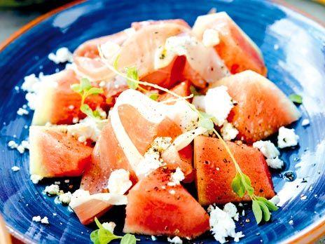 Vattenmelon med fårost och serranoskinka | Recept.nu