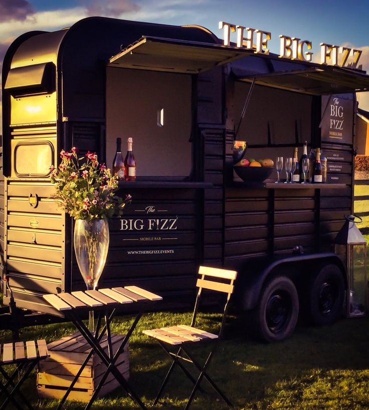 The Big Fizz mobile bar hire in Yorkshire www.thebigfizz.events