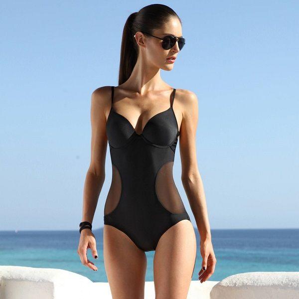 Maillot 1 pièce coqué effet trikini femme Maillots de bain en soldes : 5 coups de coeur qui vont vous faire craquer