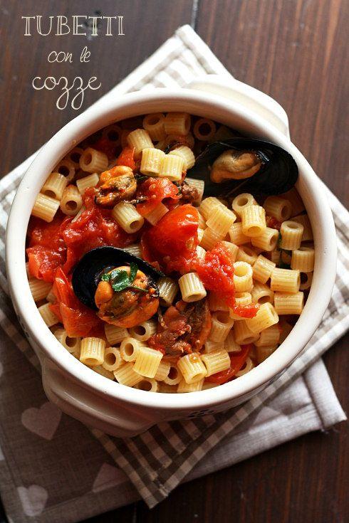 Tubetti con le #cozze #mussels #pasta #dolcipasticci #pomodoro #pummarola #food