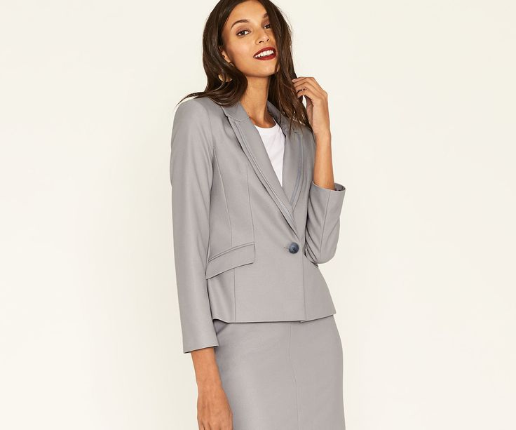 Add some turn-heads tailoring to your wardrobe this season with the scene-stealing Camila Suit #jacket from @OasisFashion 😍