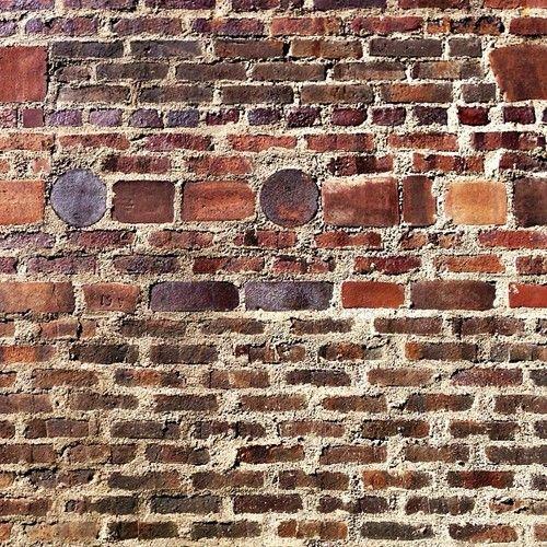 I just love brick, especially on interiors.