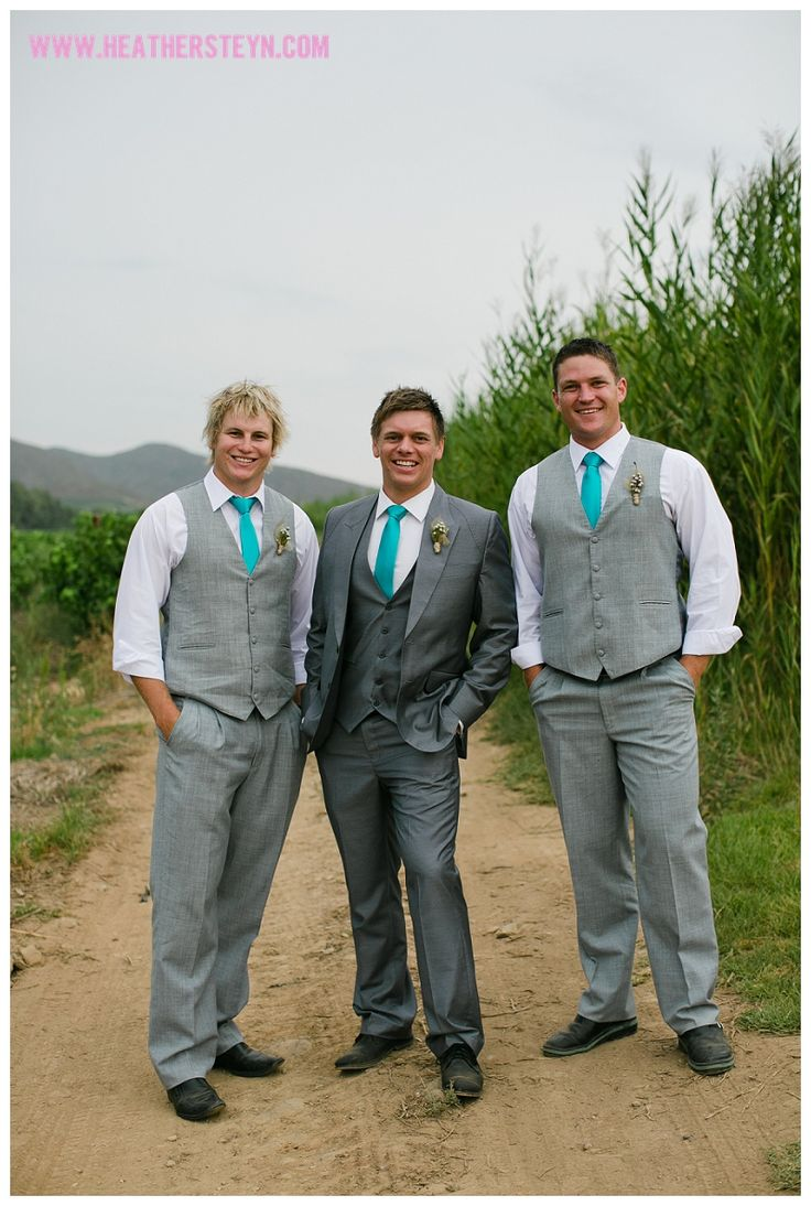 Love the Gun Metal in the middle!  I like the distinction between the groom and groomsmen and the grey is not too dark or too light
