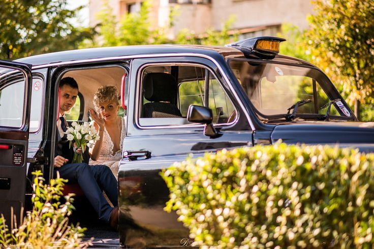 Wedding car. London Cab. Wedding day.