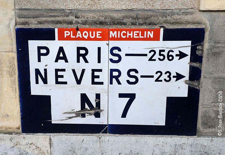 La route des vacances, la célèbre #Nationale7 passe le long de #Loire à travers les paysages nivernais !