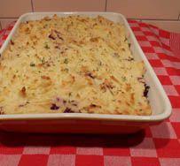 Ovenschotel met gehakt, rode kool en aardappelpuree